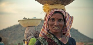 India woman laborer