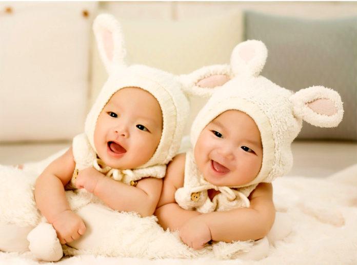 Brisbane twins only 2nd semi-identical pair in the world - Health news,  Medibulletin